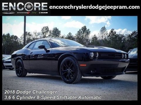New 2018 DODGE Challenger SXT